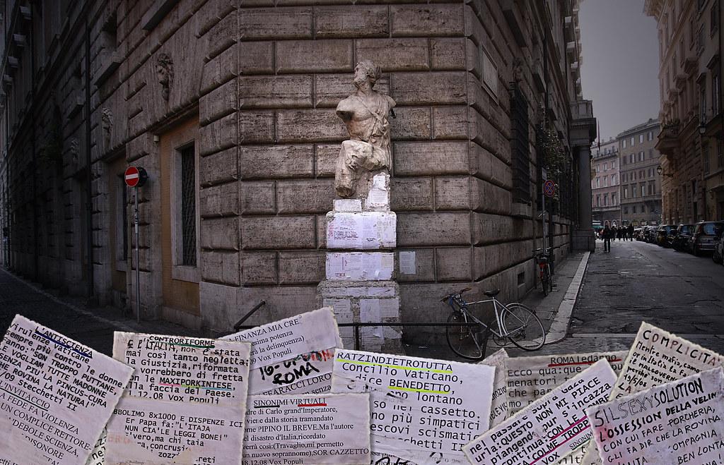 Foto di Emanuele della statua parlante Pasquino